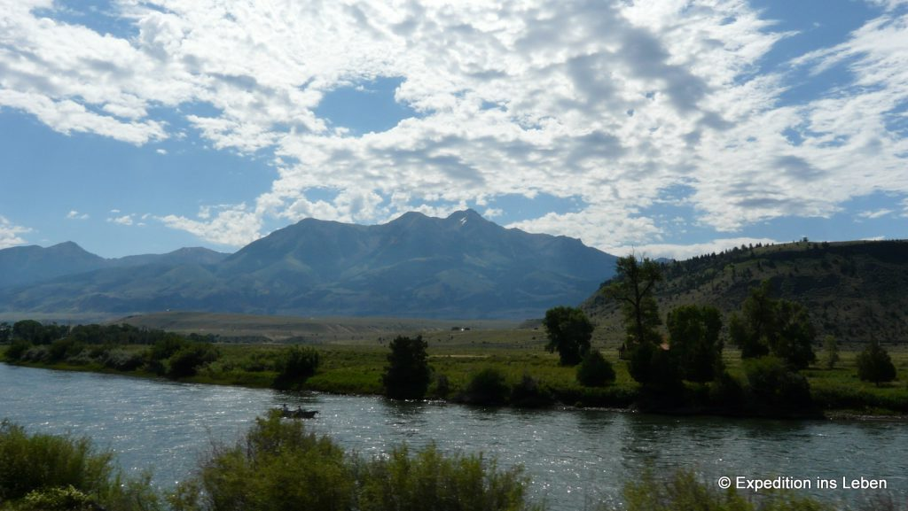 Beautiful Montana / Am Yellowstone River